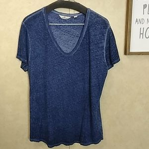 EUC Vineyard Vines blue linen blend tee L